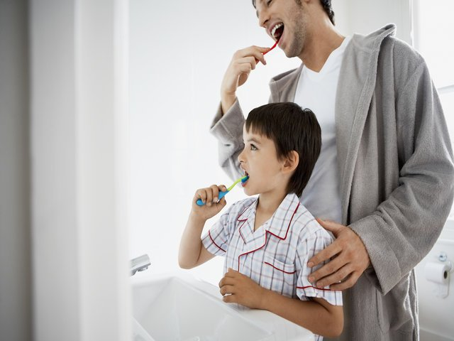 Dentistry for Kids: Manage Their Anxiety with These 4 Tips
